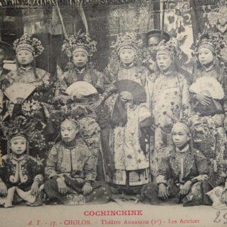 CPA - Cochinchine, Marchands de fruits attendant l'arrivée du bateau, Vinh-Long