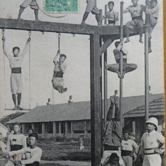 CPA - Tirailleurs Tonkinois à l'école de Gymnastique, Tonkin