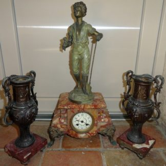 Joli régule ancien a patine bronze, le jardinier par Moisant