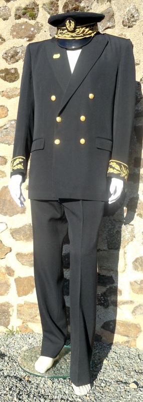 uniforme officiel avec chapeau de préfet