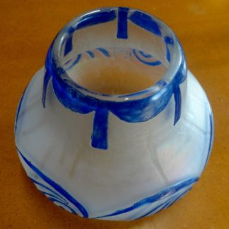 vase boule signé Legras