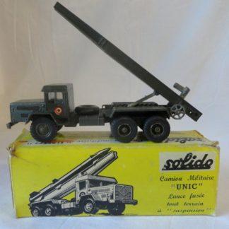 """SOLIDO - Camion militaire """"Unic"""" lance fusée tout terrain à suspension"""