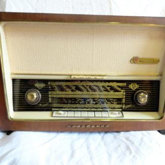 Vintage Nordmende radio TRAVIATA